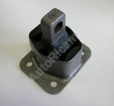 Silentblok motora Iveco EuroCargo Tector predný